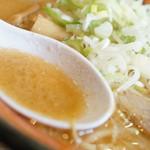 麺や 虎鉄 - スープ