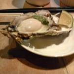 ピスタチオ酒場 - 生牡蠣 380円