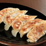 らぁ麺 とみ田 - 料理写真:餃子