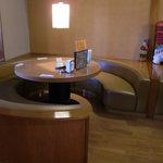 デリーキッチン シャンティ - NEW2010.10 座敷のソファ・テーブル席