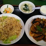 百香亭 - 料理写真:茄子のピリ辛(麻婆茄子)と炒飯のセット(1180円)