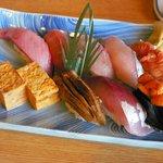 浜よし - 地魚寿司(\2,940)