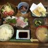 海族鮮 山忠 - 料理写真:おまかせランチ1,100円(ごはん、刺身、天ぷら、ホタルイカ、サラダ、おしんこ、汁、ドリンク)