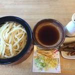 元祖 田舎っぺ - 料理写真:冷汁特大盛りうどん648円、名物きんぴら216円