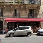 La Creperie de Josselin - お店の外観(縦列駐車の車ばっかりで見えません)