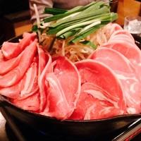 羊や カブトⅡ - ジンギスカンはロール肉メイン。野菜の上で蒸し焼きスタイル☆