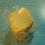 丸十ベーカリー - こしあんとクリームチーズのパン