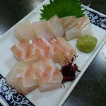 黒潮丸 - 鯛刺身 900円