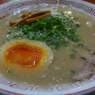 だるま大使 - 料理写真:だるま(ノーマルの豚骨・720円)