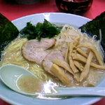 ラーメンショップ - 料理写真:醤油ラーメン(豚骨)500円