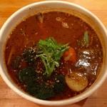 スープカリー ヒリヒリオオドオリ - チキンスープ930円、スープ大盛り200円、辛さ10番プラス50円です。