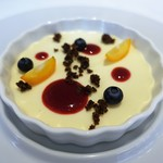 レストラン シャルム - レアチーズケーキと季節のフルーツ