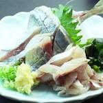 民芸茶房 - アジの刺身(1300円)