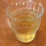 いろり庵 - 冷たい蕎麦茶。       美味し。