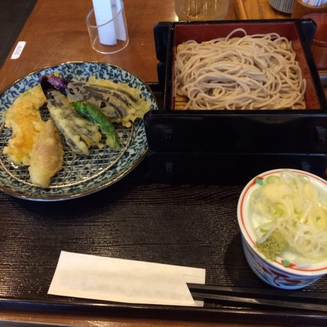 いろり庵 大宮店 - 野菜天そば。 税込890円。 美味し。