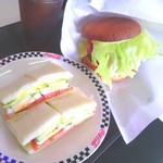 ロン - ロンサンド+ロンバーガー+ドリンクセット:880円