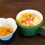あんこ椿 - 今日の小鉢とミニサラダ