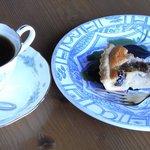 マダム ケイ - madam・kei いちじくのケーキとコーヒーです。