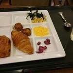 54365698 - 朝食のプレート