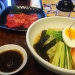 焼肉 小鉄 - カルビ+冷麺セット