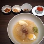 KAYA - 世界で二番目においしい冷麺セット コーヒーがついて1200円税別 2016.8撮影