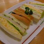 コメダ珈琲店  - 料理写真:ミックスサンド