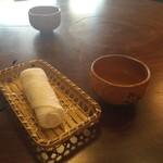 54388542 - 冷たいおしぼり・冷たいお茶