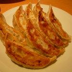 551蓬莱 - ☆餃子も美味しそうに焼き上がっています☆