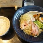 Tonari - 五目冷やし中華(ライスサービス) 900円 + 大盛 100円