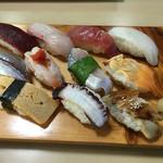 ひさご寿司 - 料理写真:ランチにぎり  1.5人前  972円