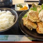 道の駅 インフォメーションセンターかわもと - 鶏唐揚げ定食。