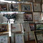54395930 - 入り口には来店された有名人の写真がズラリ、ミナミの帝王、「満田 銀次郎」も