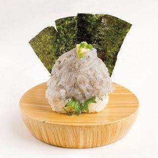 沼津直送!「生しらす富士山盛り」