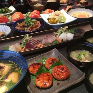 飲放付宴会は税込5000円から、最大40名までご利用可能。