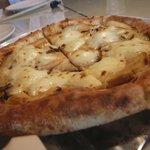エンボカ 軽井沢 - 070502エンボカ筍のピザ.jpg