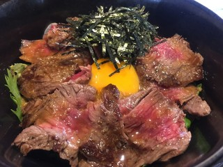 肉バル DENNER-ROIN - でんなーステーキ丼(お肉ダブル)(¥1680)