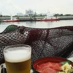 マグロ卸のマグロ丼の店 - マグロ丼 + ビール