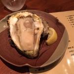 漁 - でっかい岩牡蠣