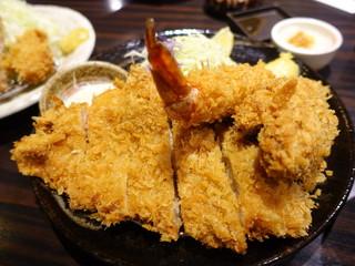 勝烈亭 南熊本店 - 上ロースかつ定食+特製ミンチかつ+特製大海老フライ
