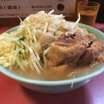 ラーメン二郎 - 「普通盛」700円(ヤサイ、ニンニク、アブラ)