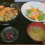 54408359 - 牡蠣天丼850円