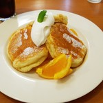 パンケーキcafe あいあん - オレンジのキャラメルソースパンケーキ(972円)です。
