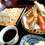 山河 - 山菜天ざる(1,000円)