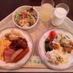 金沢白鳥路 ホテル山楽 - 2日目の抑えた洋食
