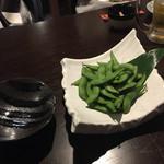 お忍び個室居酒屋 囲蔵 - 2016年8月。塩茹で枝豆380円。