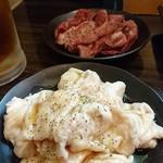 ホルモン専科とんと二代目 - 料理写真:シロと豚ハラミ