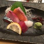 Ajidourakubenten - 地魚造り盛り合わせ