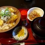 町家かふぇ - 料理写真:じゃこ天丼(2016.07現在)