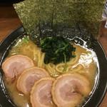 武骨家 - チャーシューとんこつ醤油