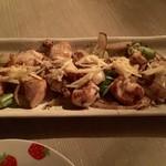 電氣食堂 - 鶏胸肉の炒め物は生姜たっぷり。